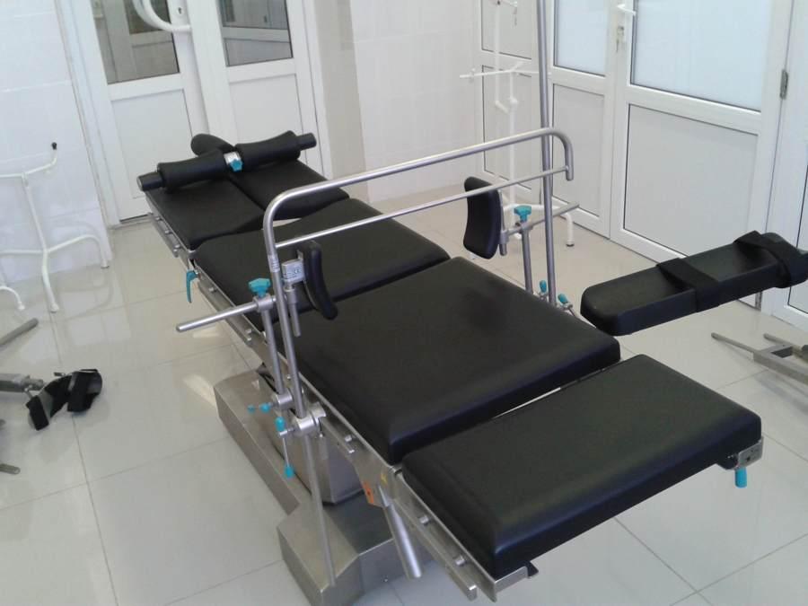 Операционный стол